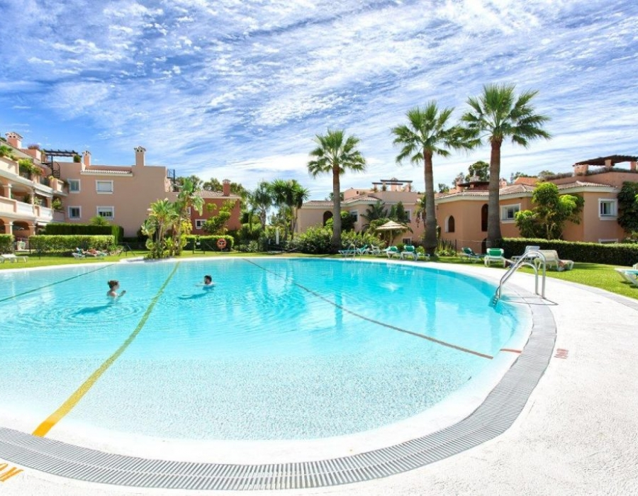 Communal swimming pool in Estepona