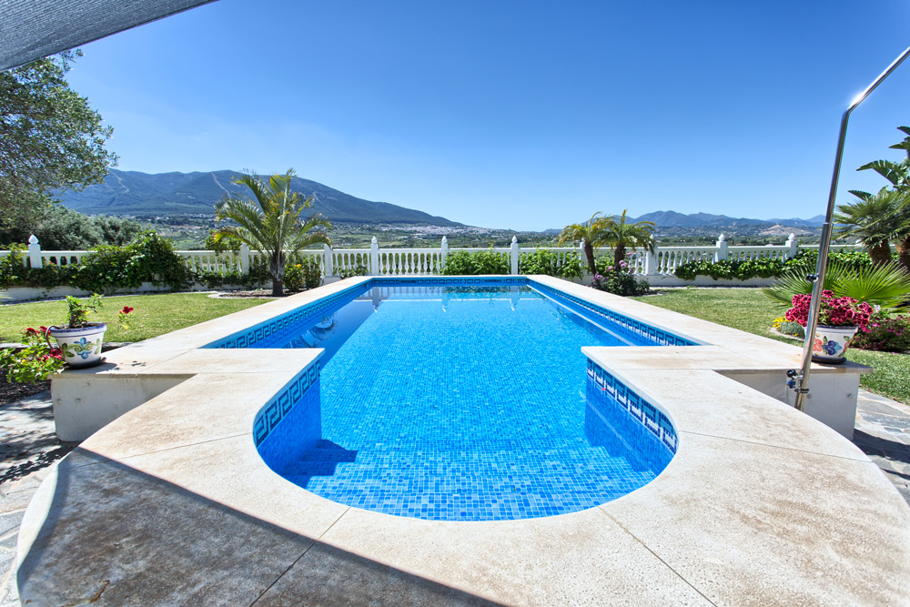 Private pool with views in Alhaurin el Grande
