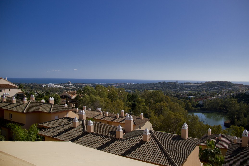 Duplex penthouse in Vista Real Marbella for sale