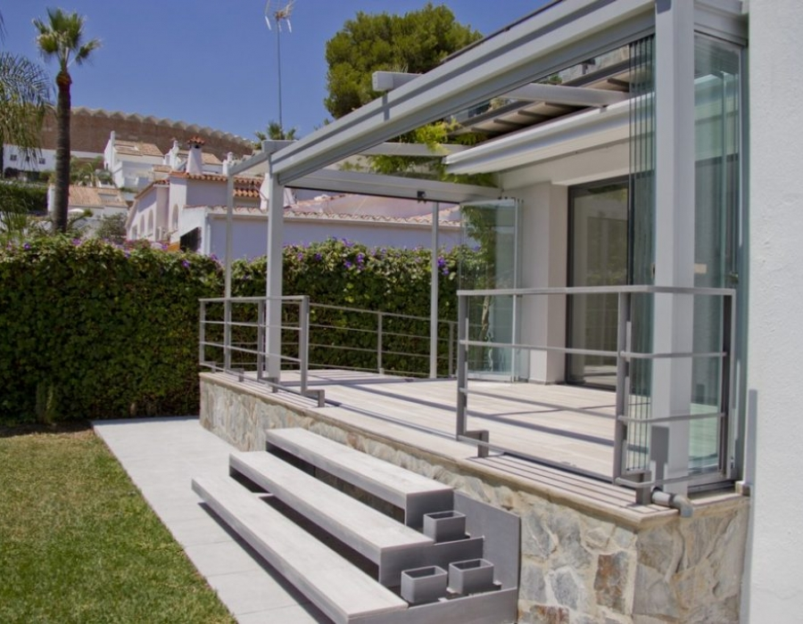 Detached villa in Puerto Banus for sale