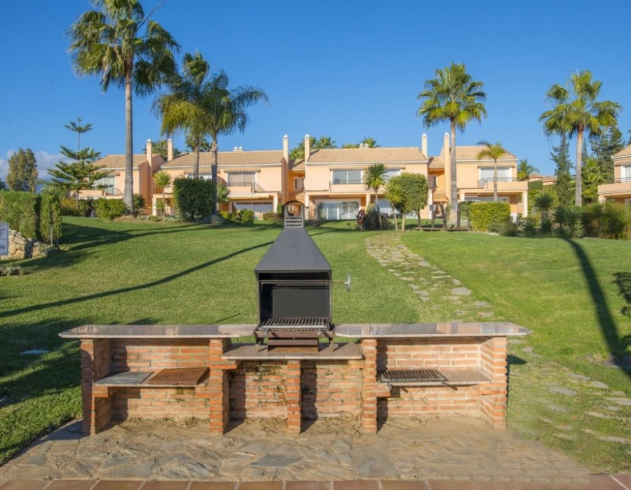 Townhouse in Paraiso Park Estepona for sale