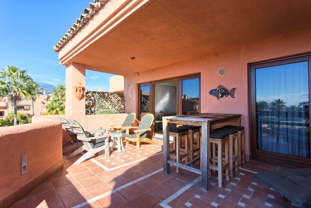 Penthouse for sale in Estepona Mar Azul