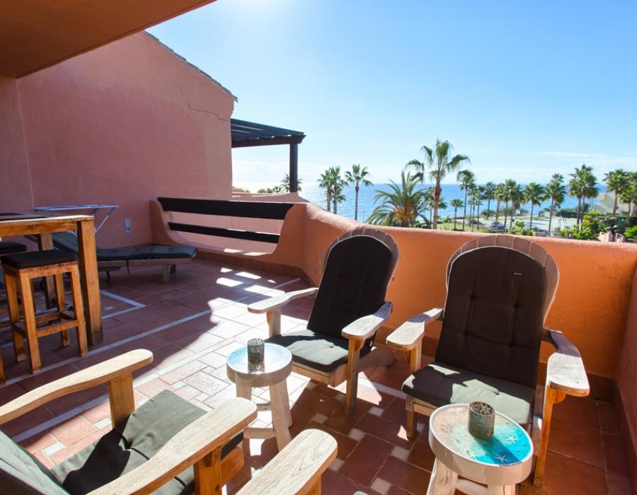 Penthouse for sale in Estepona Mar Azul