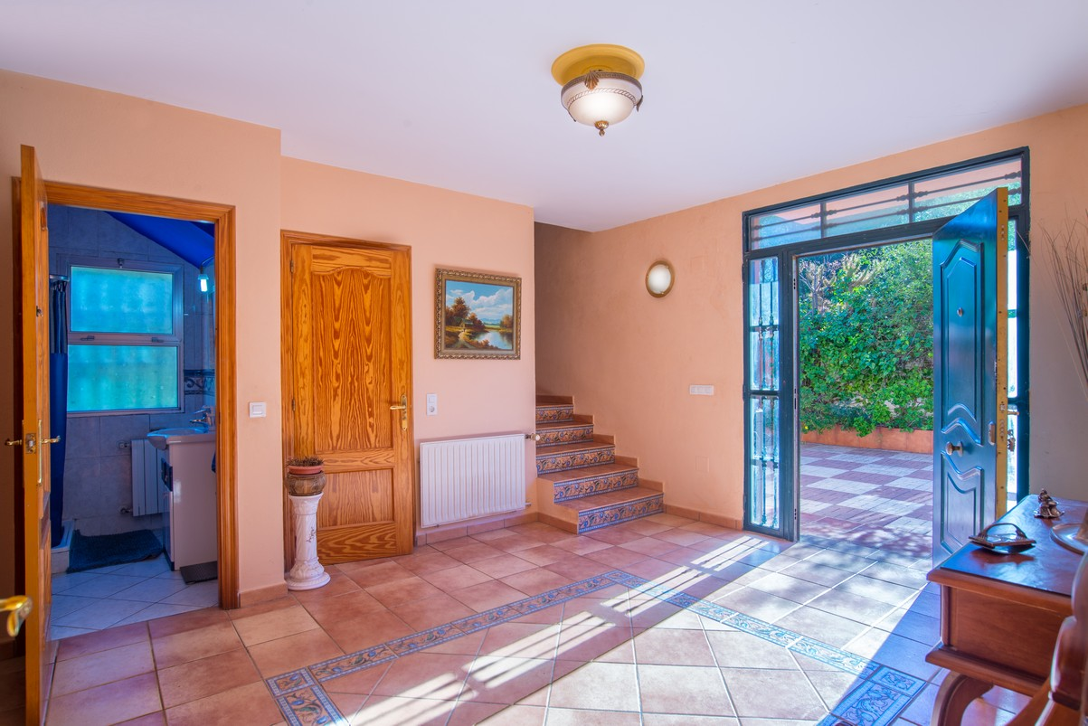 Large villa in Alhaurin de la Torre for sale