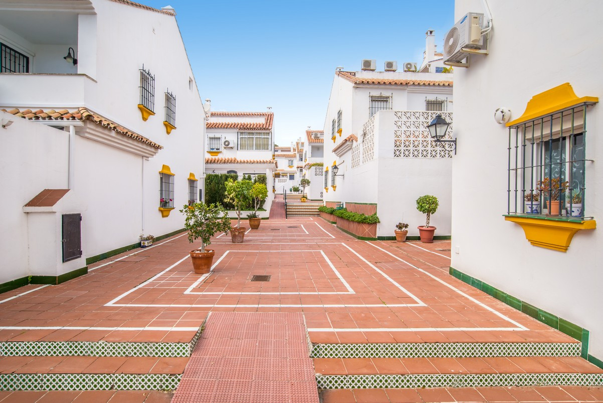 Townhouse in Playamar Torremolinos for sale