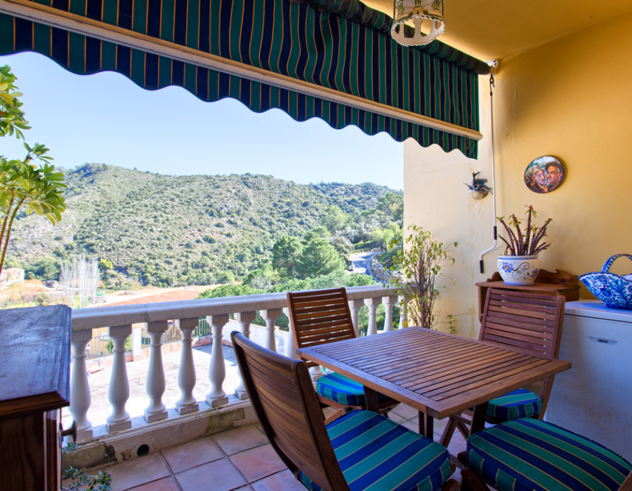 Townhouse in Benahavis center for sale